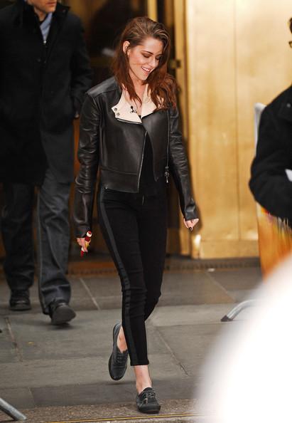 Kristen-Stewart-black-keds-rockstart-winter-outfit