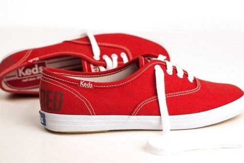 How to wear red keds in winter