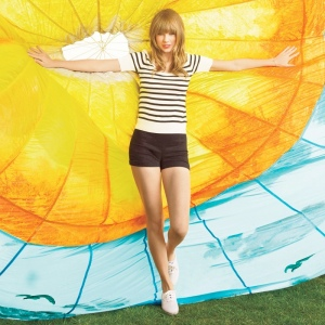 SNEAKERS_Taylor Swift_White Keds
